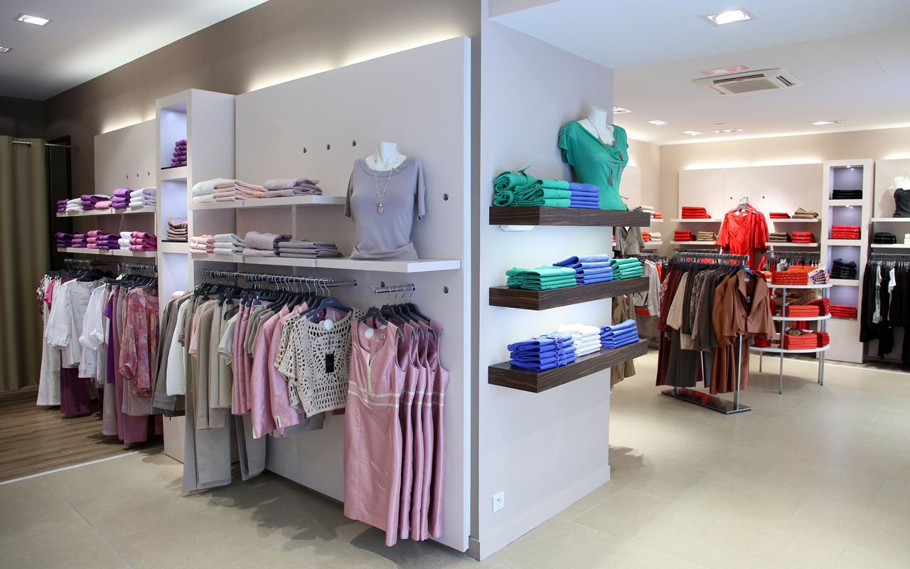 edd36a522a6 Agencement Magasin Prêt à porter pour Femme. Boutique Rennes (35)